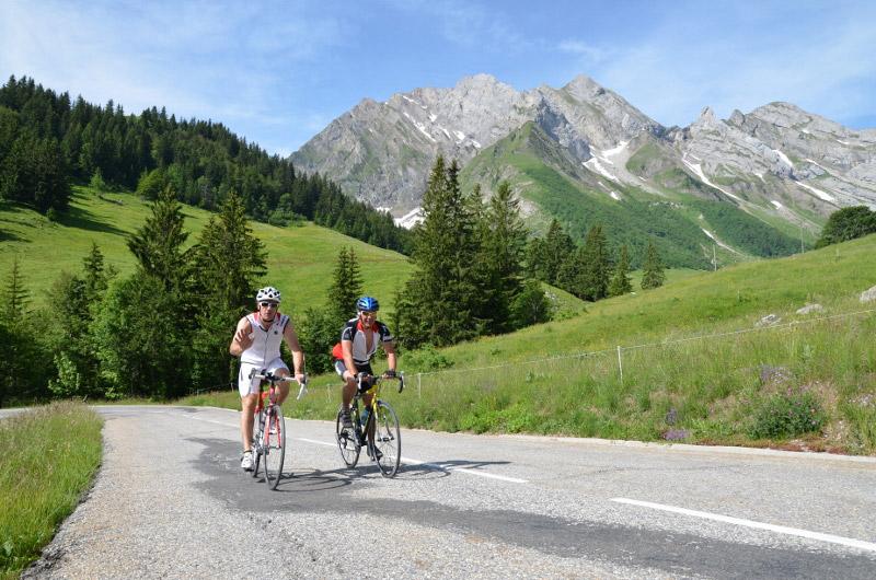 cyclotourisme-dans-le-Val-d-Arly
