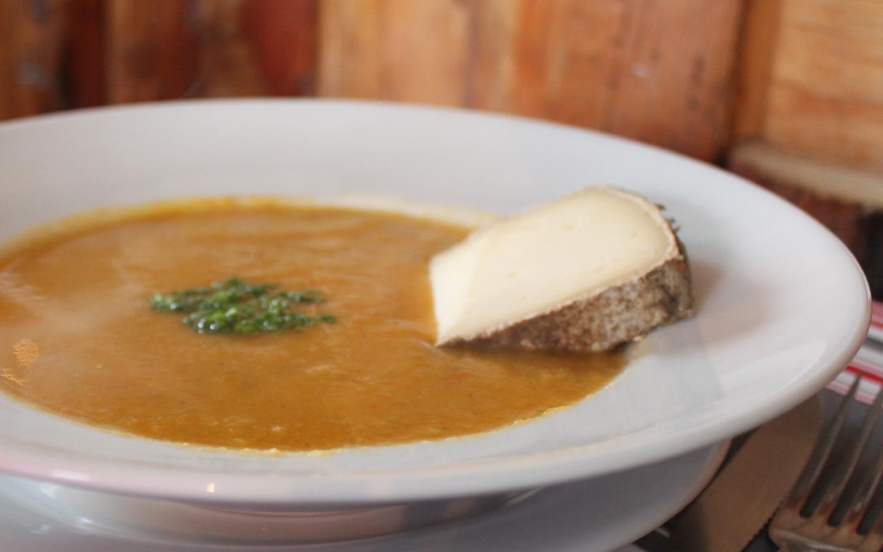 soupe-de-legumes-et-tomme